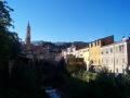 Dolcedo liegt romantisch am Fluss